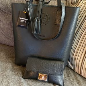 Authentic VALENTINO By Mario leather tote/wallet